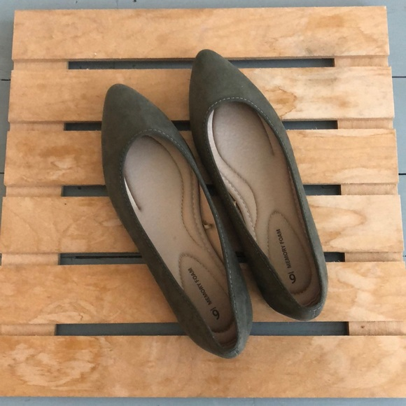 Time and Tru Shoes - Time and Tru olive green pointed flats size 6